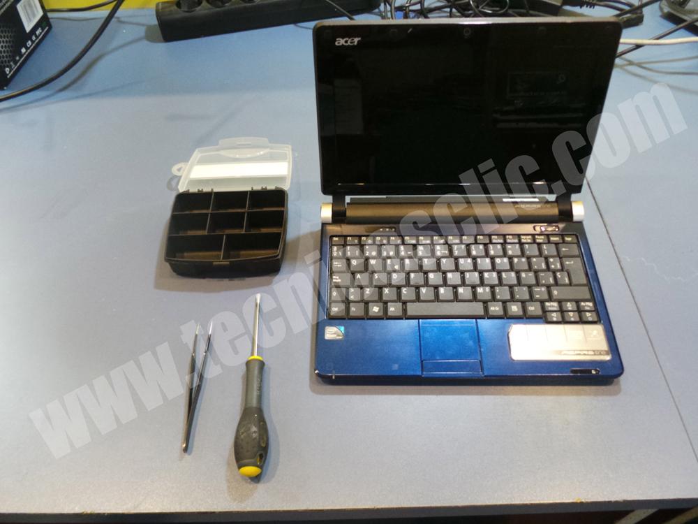 tecnicosclic-sustituir pantalla acer one